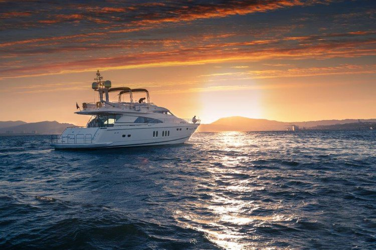 "Luxury Yacht Fairline Squadron 74 - ""Happy Dream"", Setúbal"