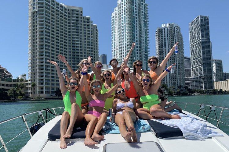 Boat for rent Formula 48.0 feet in Bill Bird Marina, FL