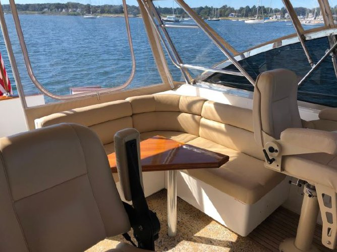 Discover West Palm Beach surroundings on this 40 Express Legacy Yachts boat