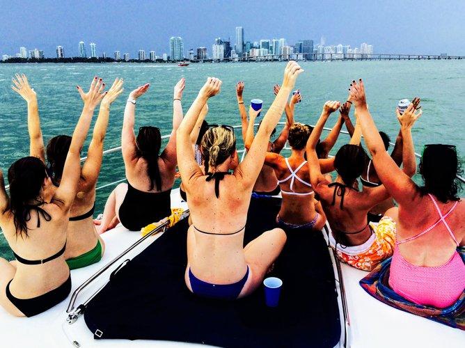 SeaRay's 41.0 feet in Miami