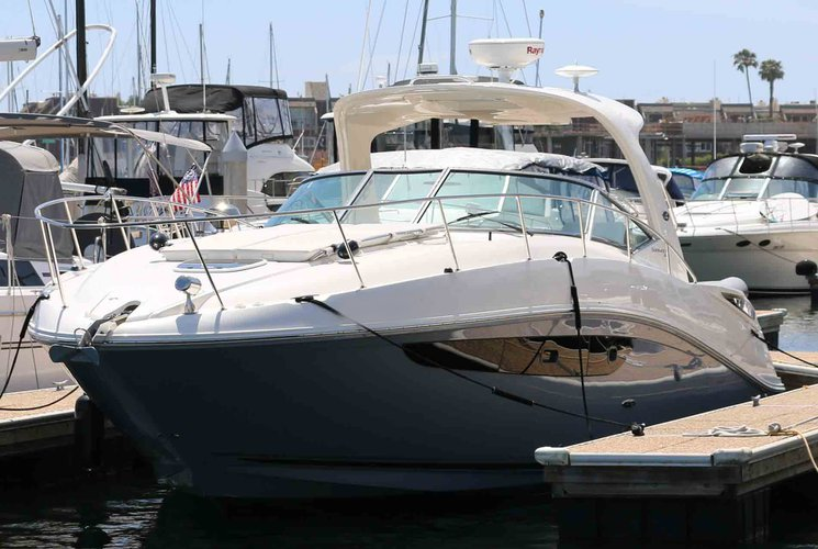 Chill in style in Marina del Rey aboard 40' Sea Ray