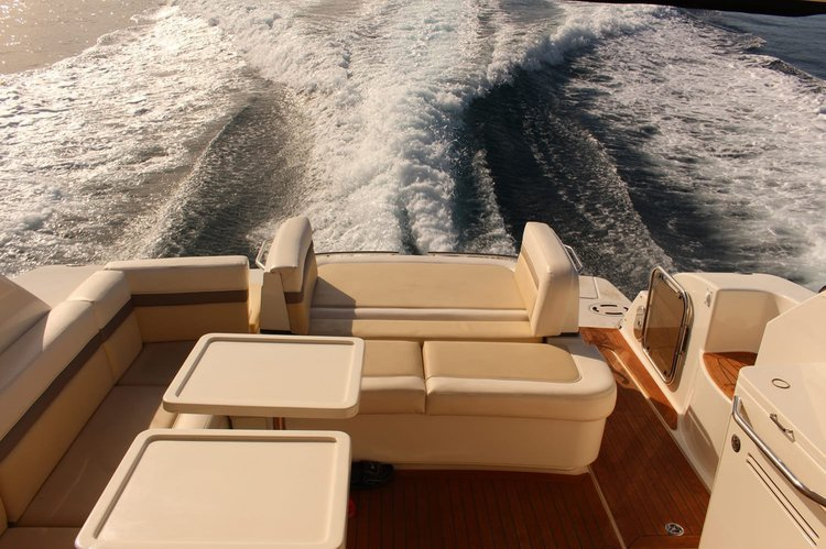 Chill in style in Marina del Rey aboard 47' Sea Ray