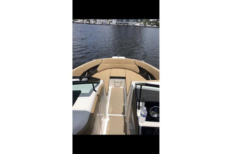 Motor boat boat rental in Marina Palms Yacht Club & Residences,