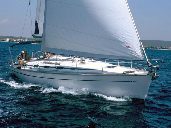 Discover Baška Voda in style boating on this sailboat rental