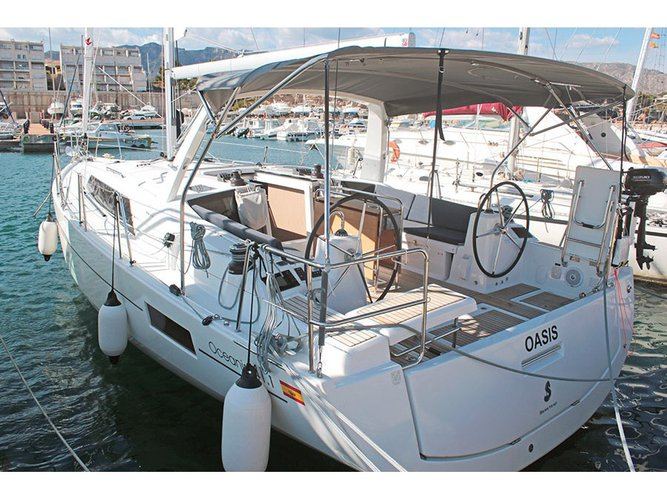 All you need to do is relax and have fun aboard the Beneteau Oceanis 41.1 (2 Heads)