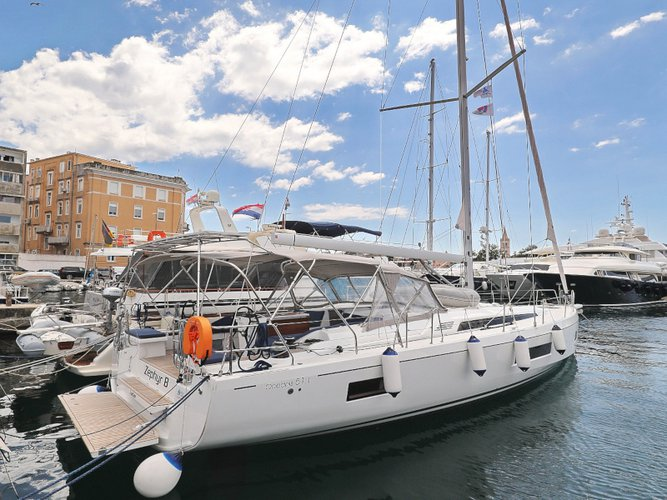 Beautiful Beneteau Oceanis 51.1  ideal for sailing and fun in the sun!