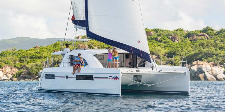 Have fun aboard  39' cruising catamaran