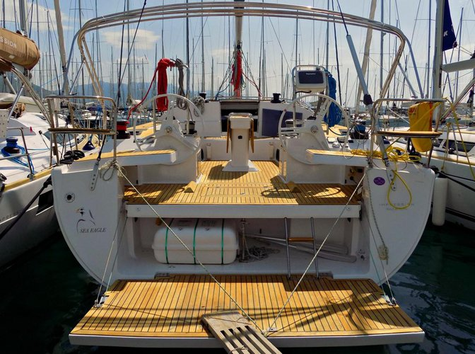 Up to 10 persons can enjoy a ride on this Elan Marine boat