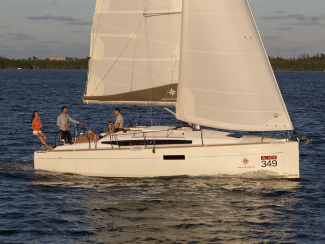 Enjoy luxury and comfort on this Portocolom sailboat charter