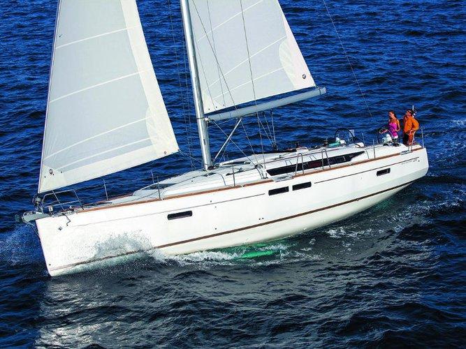 Beautiful Jeanneau Sun Odyssey 509 ideal for sailing and fun in the sun!