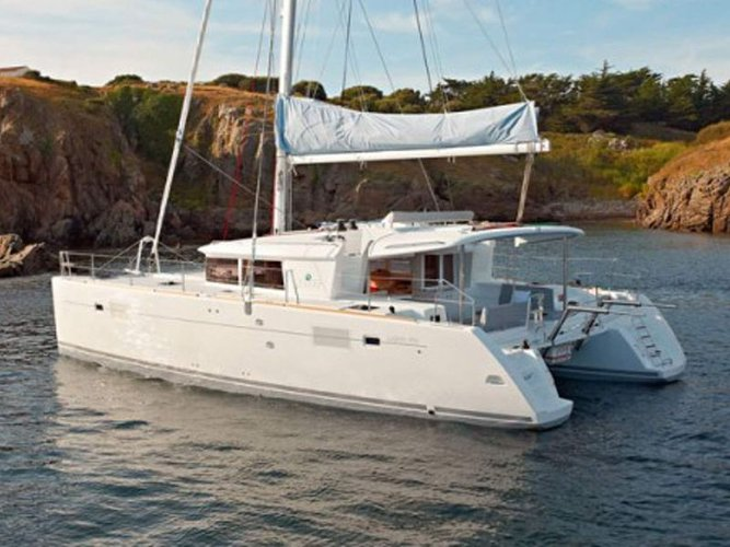 Discover Portocolom in style boating on this sailboat rental
