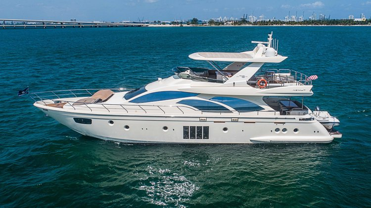 78' Azimut matchless design, comfort and style.