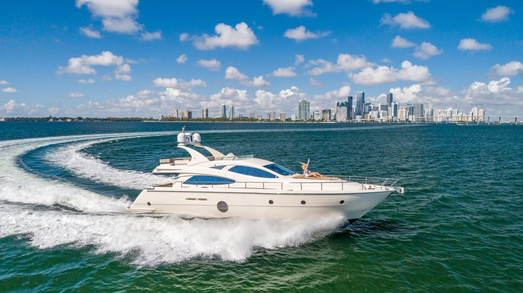 Fun time in Miami, Florida aboard this splendid Aicon 64 Flybridge