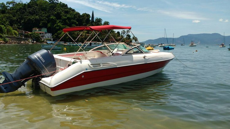 Have fun in Brazil aboard this motor boat