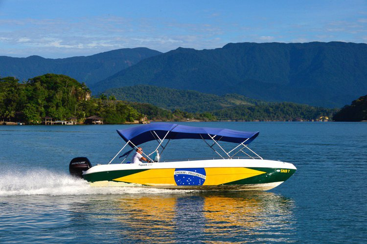 Ideal for daily rides, up to 16 passengers!