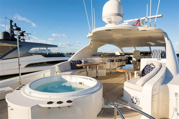 Flybridge boat for rent in Miami Beach