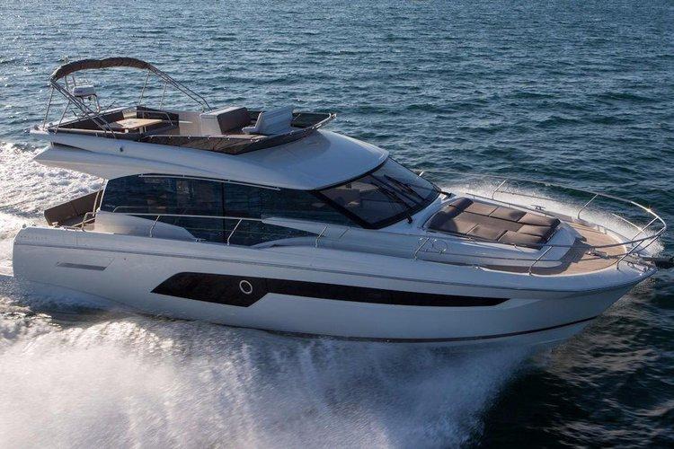 53' - Prestige Flybridge Luxury Motor Yacht in South Florida