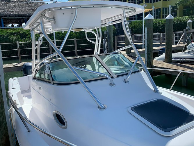 Discover Key Biscayne surroundings on this Walk-around Pro Line boat