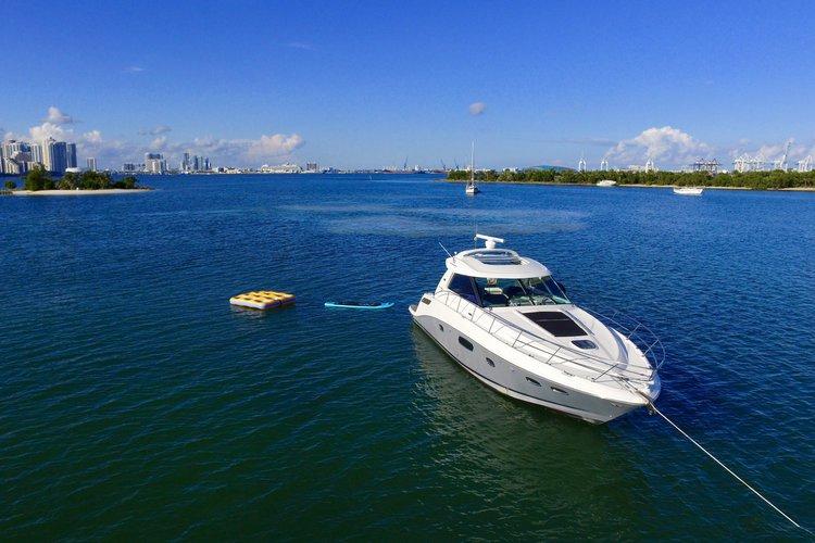 Boat rental in Key Biscayne, FL
