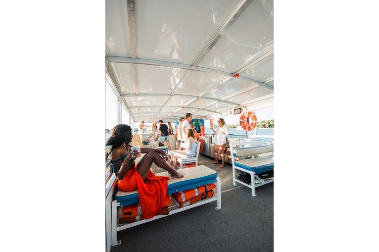 Pontoon boat rental in Sea isle marina, FL