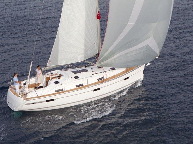 Jump aboard this beautiful Bavaria Yachtbau Bavaria 36 Cruiser