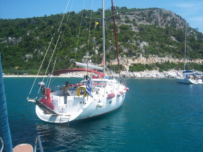 Explore Skopelos on this beautiful sailboat for rent