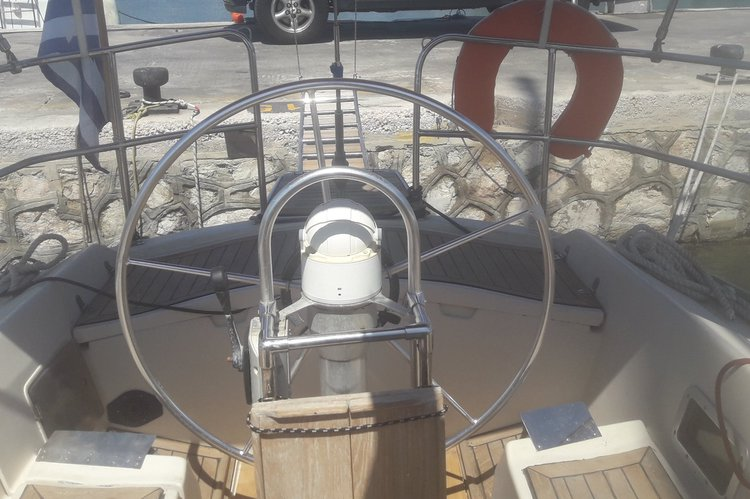 Discover Saronic Gulf surroundings on this First 42 Beneteau boat