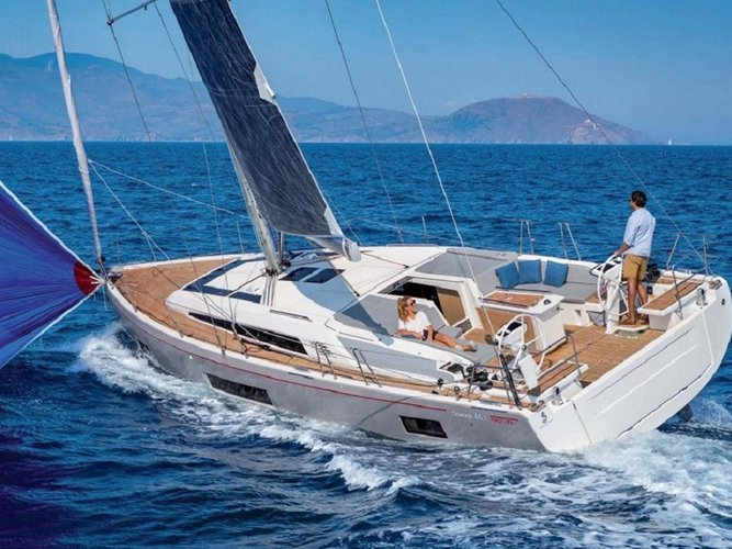 This sailboat charter is perfect to enjoy Šolta