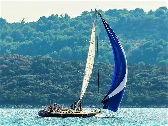 Sail the beautiful waters of Hvar on this cozy Beneteau Beneteau 62