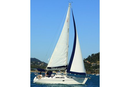 Sail aboard this monohull in Whitsundays