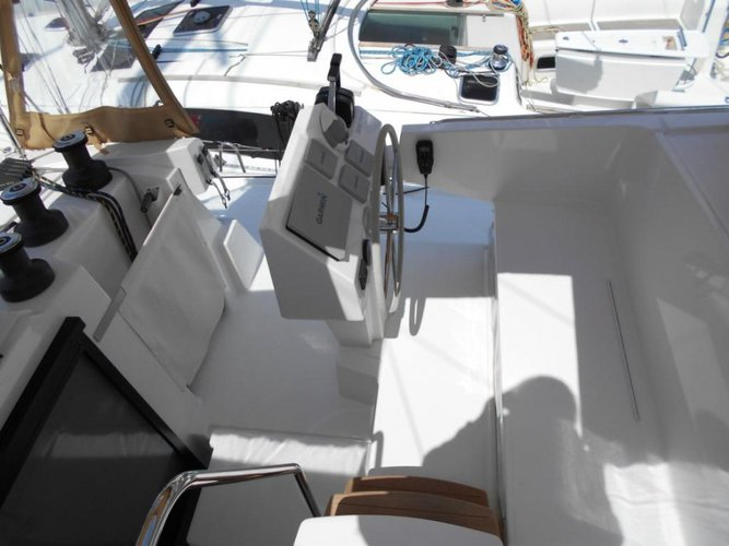 Beautiful Fountaine Pajot Astréa 42_2020 ideal for sailing and fun in the sun!