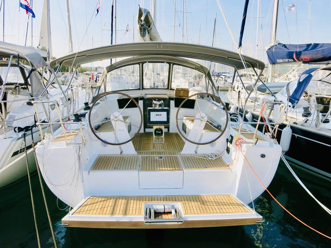 Sail the beautiful waters of Milna on this cozy Hanse Yachts Hanse 388