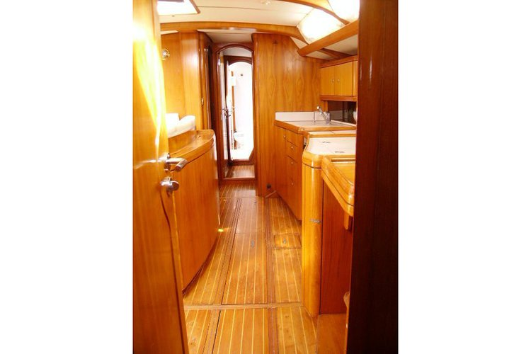 Up to 190 persons can enjoy a ride on this Jeanneau boat