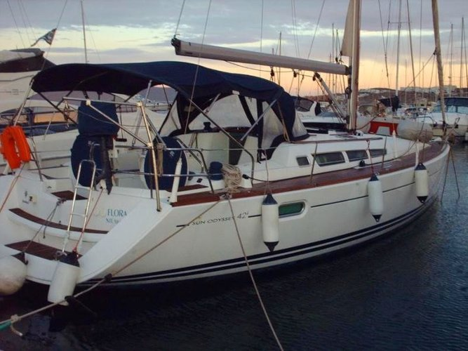 Relax on board our sailboat charter in Lavrion