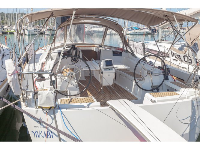 Explore Puntone - Follonica on this beautiful sailboat for rent