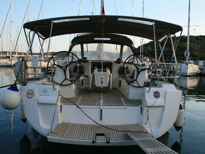 Take this Jeanneau Sun Odyssey 469 for a spin!