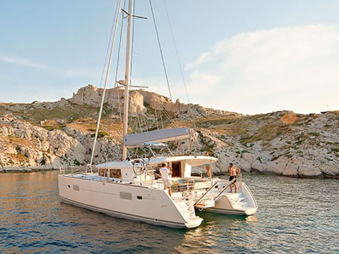 Explore Pomer on this beautiful sailboat for rent
