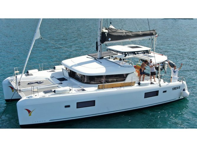 Enjoy luxury and comfort on this Lagoon Lagoon 42 in Tropea
