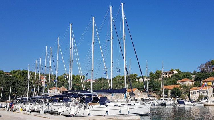 Marina Rogač - sailboats