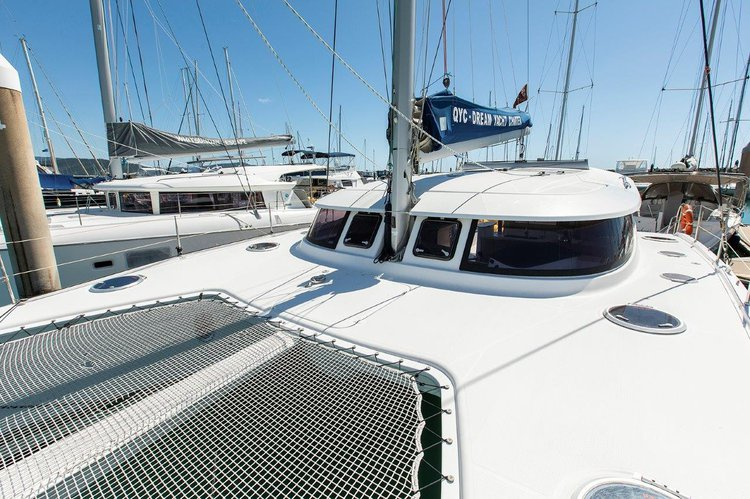 Discover Whitsundays  in style boating on this 39 ft catamaran rental