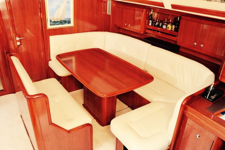 This 56.0' Ocean Yacht cand take up to 12 passengers around Road Town