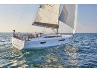 Relax on board our sailboat charter in Nea Peramos - Attica