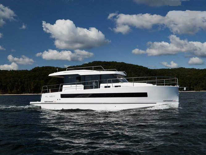 Cruise Kaštel Gomilica, HR waters on a beautiful  Northman 1200