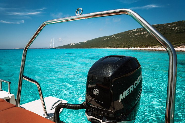 Boating is fun with a Cruiser in Zadar