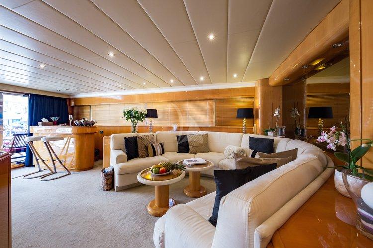 Mangusta's 85.4 feet in Cannes