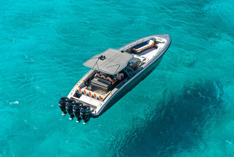 Midnight Express's 43.0 feet in St Thomas