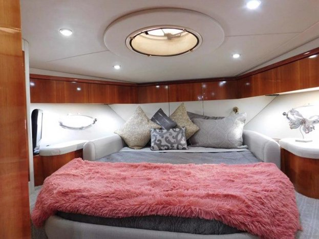 Discover North Bay Village surroundings on this Sunseeker Predator boat