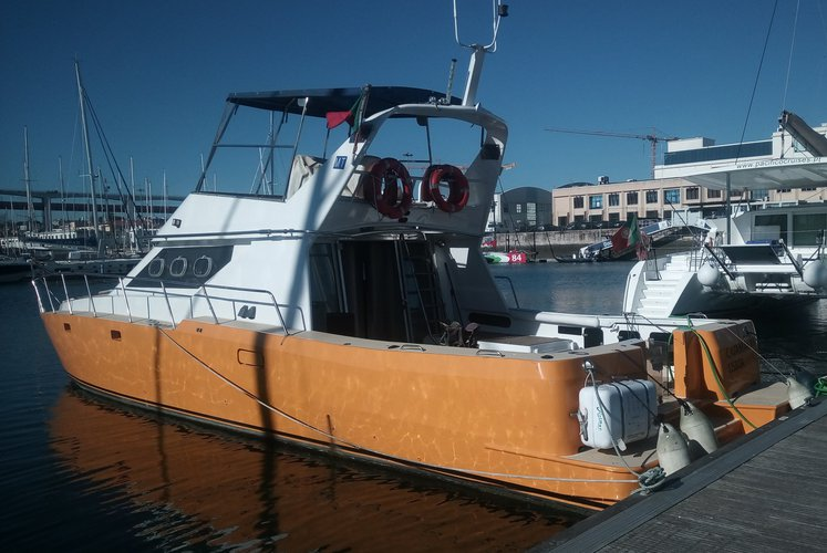 Exclusive Boat Cruise in Lisbon - Lazy Lisbon Cruises