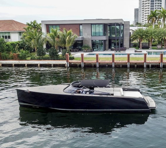 Boating is fun with a Deck boat in Miami
