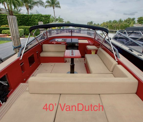 Discover Miami surroundings on this VD40 VanDutch boat
